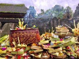 bali-offering-galungan-kuningan-2