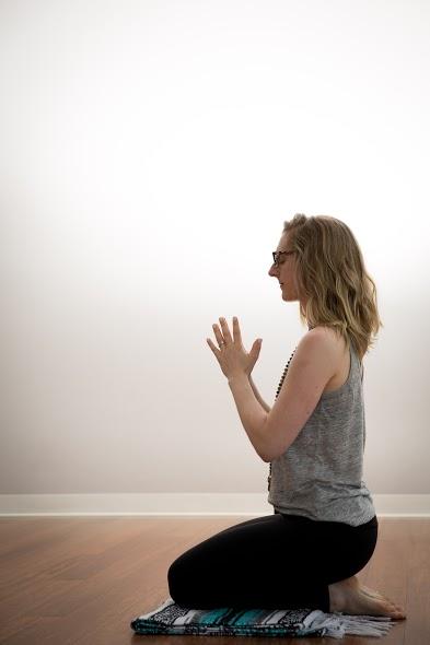 Sarah Yoga Anjali Mudra